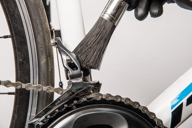 how to clean and lube your derailleurs 2