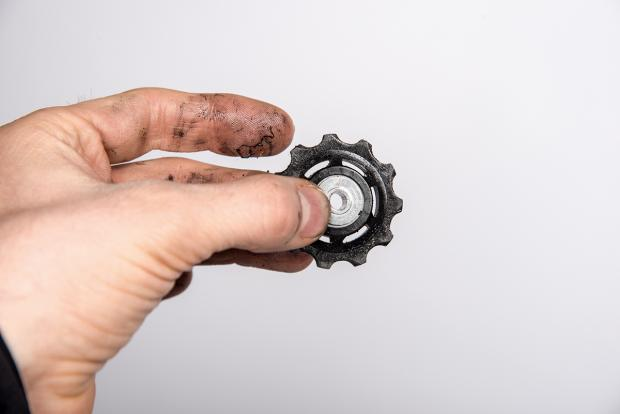 how to clean and lube your derailleurs 4